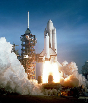 http://www.solarnavigator.net/aviation_and_space_travel/aviation_space_images/space_shuttle_launch_cape_canaveral.jpg