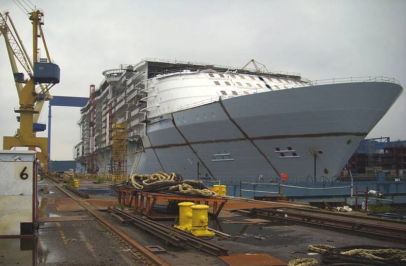 introduction in marine insurance of liner vessel Willis marine builders' risk review summer/autumn 2005 1 contents introduction 2 background 3 market share and future trends 5 european shipbuilding 7 the insurance market 8.