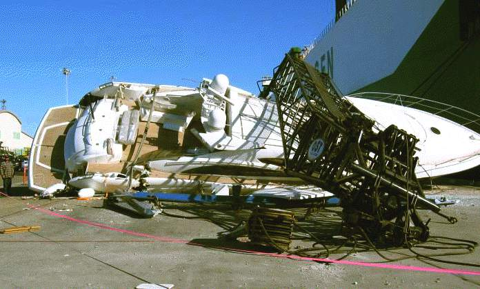 Crane collapses while unloading super motor yacht, insurance total loss