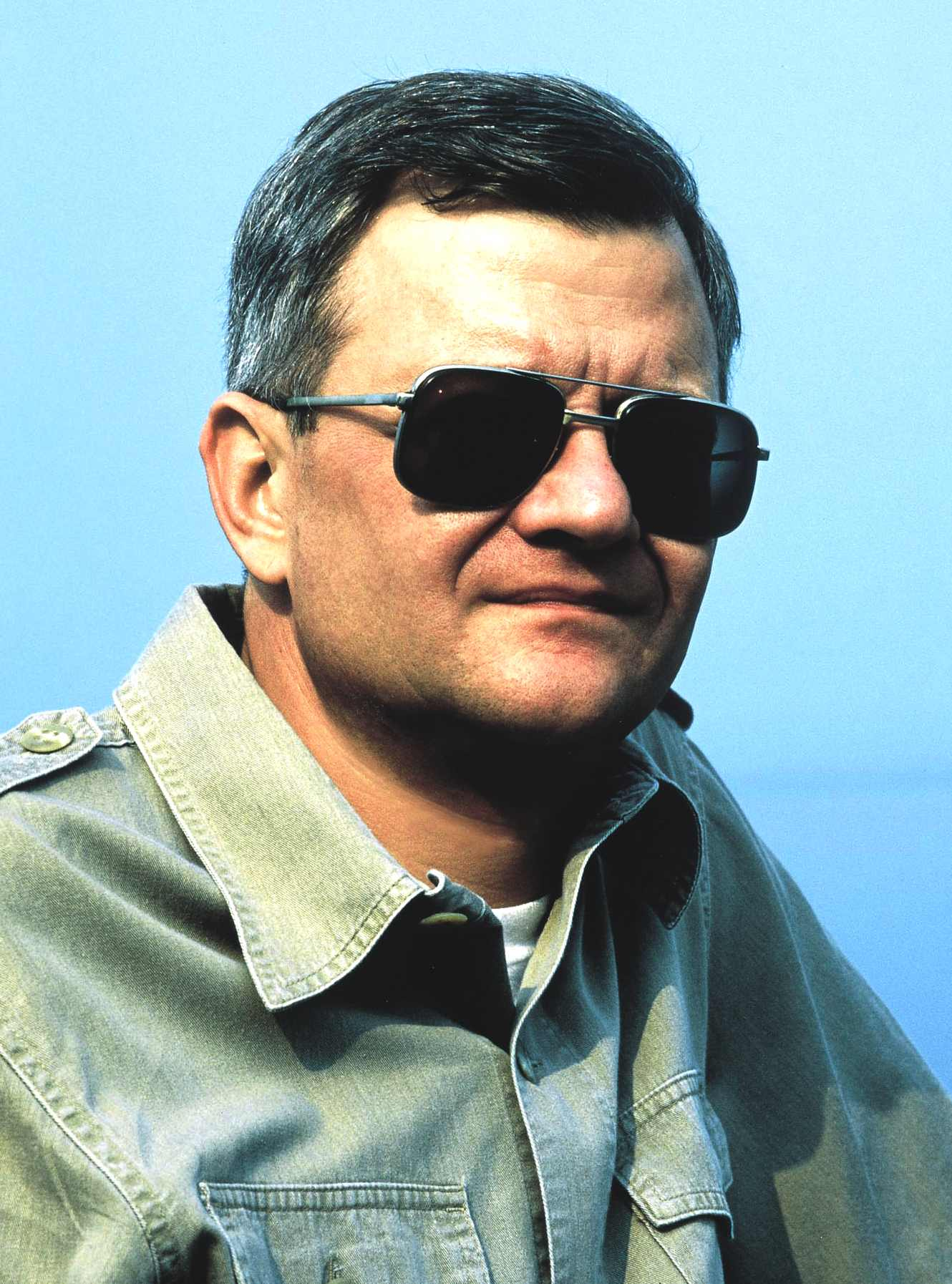 Hunt for red october wallpaper tom clancy author of the hunt for red