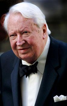 إدوارد هيث .... رئيس وزراء بريطانيا السابق Edward_Heath_jubilee_fastnet_admirals_cup_sailor.jpg