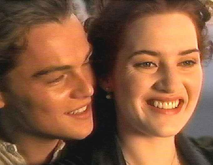 صور رومانسية لفيلم تايتنك Titanic_Leonardo_di_Caprio_Kate_Winslett_close_up.jpg