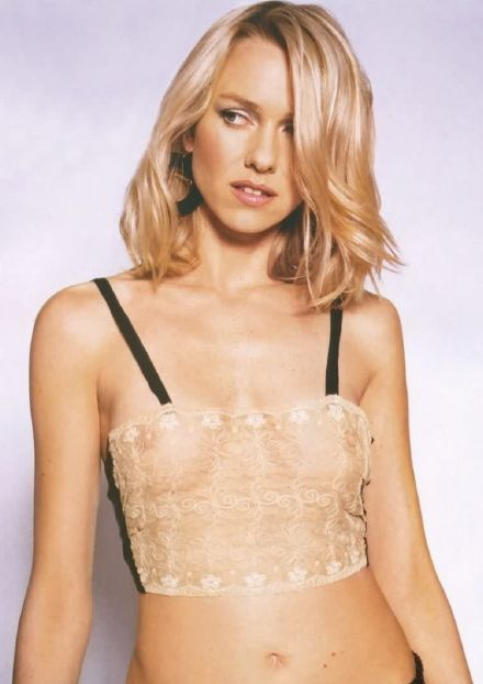 http://www.solarnavigator.net/films_movies_actors/actors_films_images/naomi_watts_lace_top.jpg