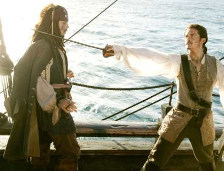 pirates_caribbean_johnny_depp_orlando_bloom_sword_fencing.jpg