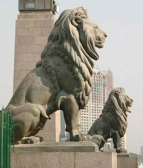 "صور من مصر و محافظاتها "" تعالي اتعرف علي مصر "" Egypt_Cairo_Lion_statues_Kasr_el_Nil_bridge_River_Nile"