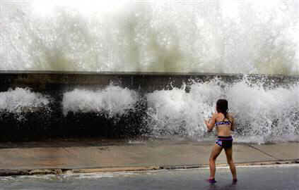 Hurricane Wilma Mexico And Florida Emergency Storm Warning