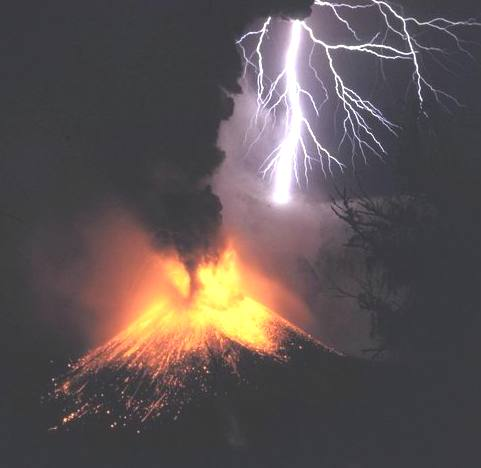Volcano eruption causing lightning to trigger spectacularly