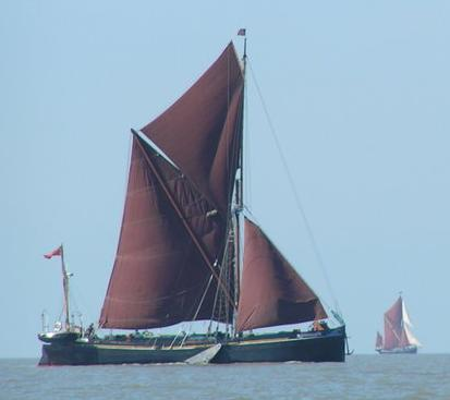 Thames sailing river barge