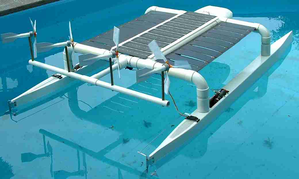 Catamaran spider boat, solar powered test model