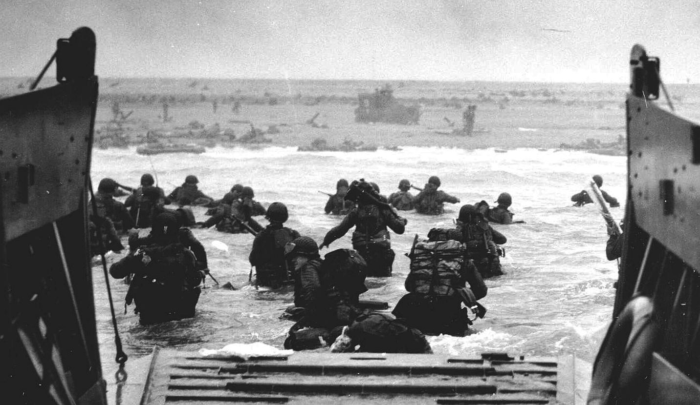 Omaha beach landing craft troops 6th June 1944, operation neptune