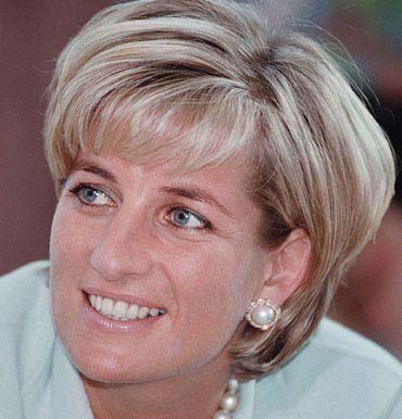 Lady Diana pearl earrings