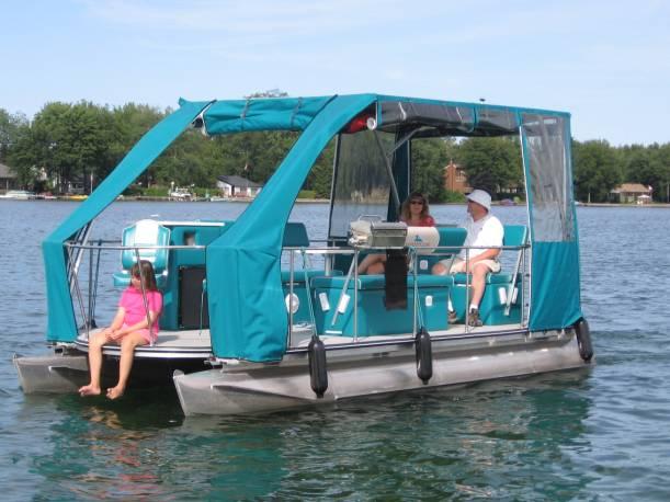 Solar Loon Production Boat Sailing