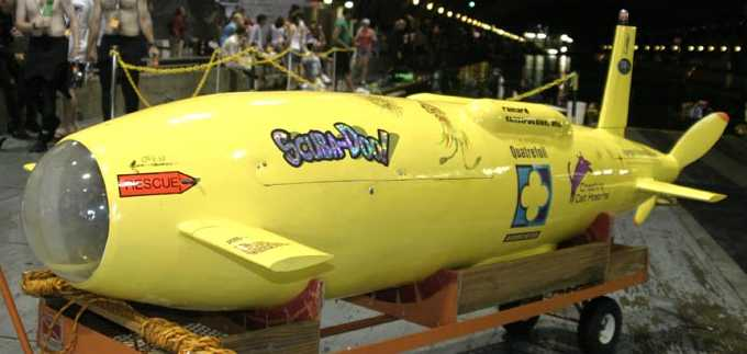 submarine scooby doo human