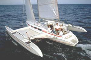 Swing wing trimaran Dragonfly by Quorning