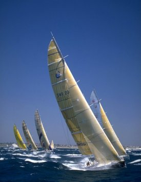 http://www.solarnavigator.net/images/volvo_ocean_race_boats_racing_picture.jpg