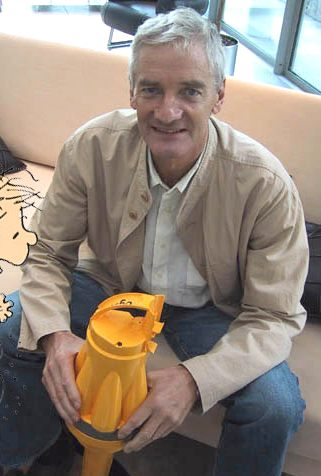 James dyson inventor bagless cyclonic vacuum cleaner