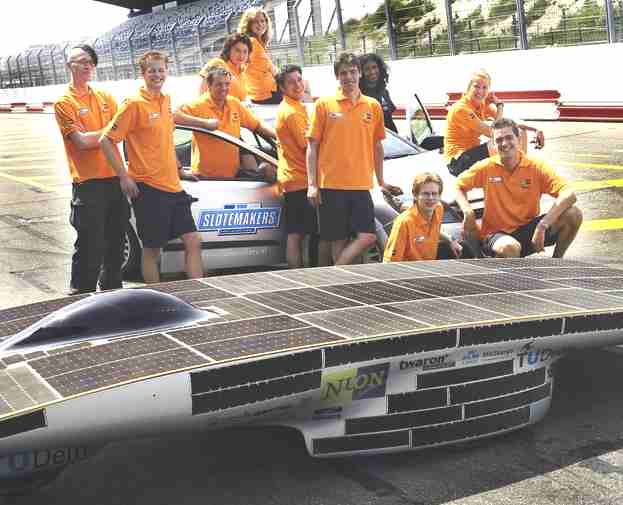 Solar powered car Nuna 3 and Netherland teams members