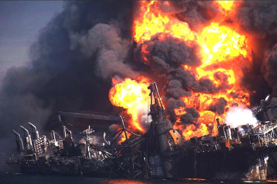 BP oil rig Deepwater Horizon sinks December 26 2012, New York Times