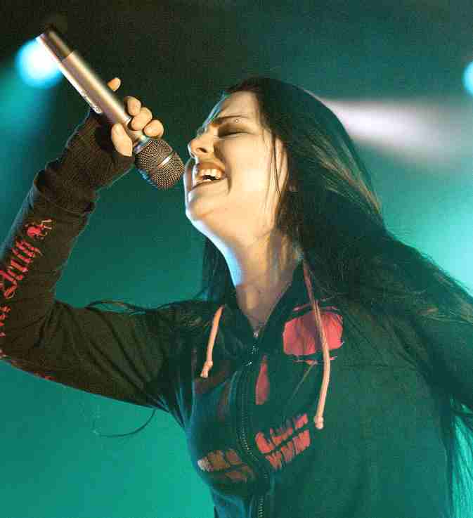 Amy Lee - full throttle on the mike, Evanescence