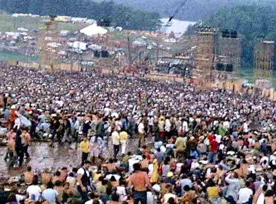Woodstock_music_festival_redmond_stage.jpg