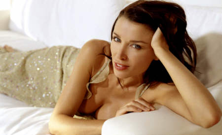 Dannii Minogue ble hyllet for kroppen men hun var alvorlig syk! thumbnail