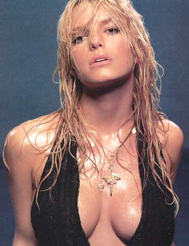 [Image: jessica_simpson_hot_and_wet.jpg]