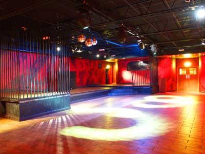 Angel's Club Nightclub_trek_club_dance_floor_cages