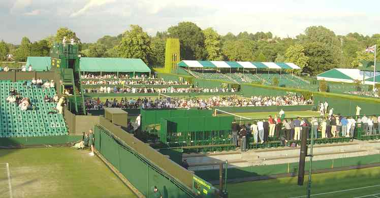 "The image ""http://www.solarnavigator.net/sport/sport_images/Wimbledon_Championships_Close_Of_Play_2004.jpg"" cannot be displayed, because it contains errors."
