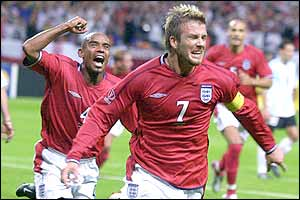 http://www.solarnavigator.net/sport/sport_images/david_beckham_and_sinclair.jpg