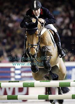 external image equestrian_show_jumping_portofino.jpg
