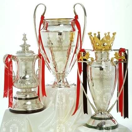 http://www.solarnavigator.net/sport/sport_images/manchester_united_treble_trophies_premier_cup.jpg