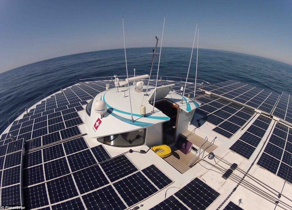 PlanetSolar on the Deepwater Gulf Stream expedition