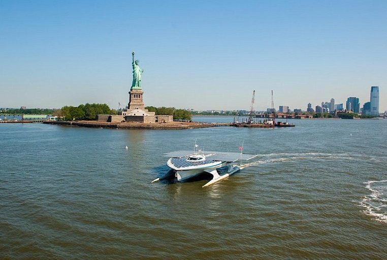 PlanetSolar in New York, Statue of Liberty